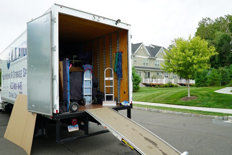 movers in New Haven county
