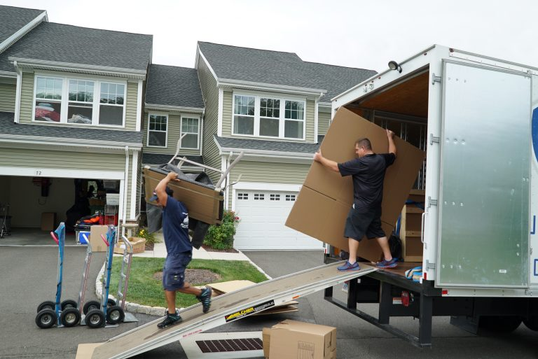 residential moving companies in New Haven county